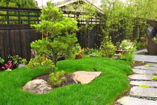 Khu vườn xanh trong biệt thự