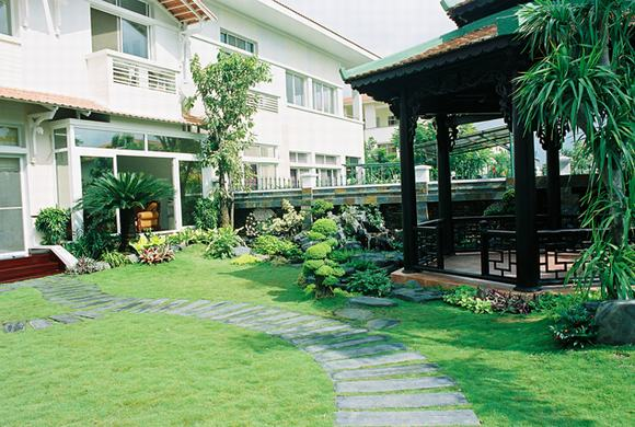 Thiết kế sân vườn theo phong cách hiện đại