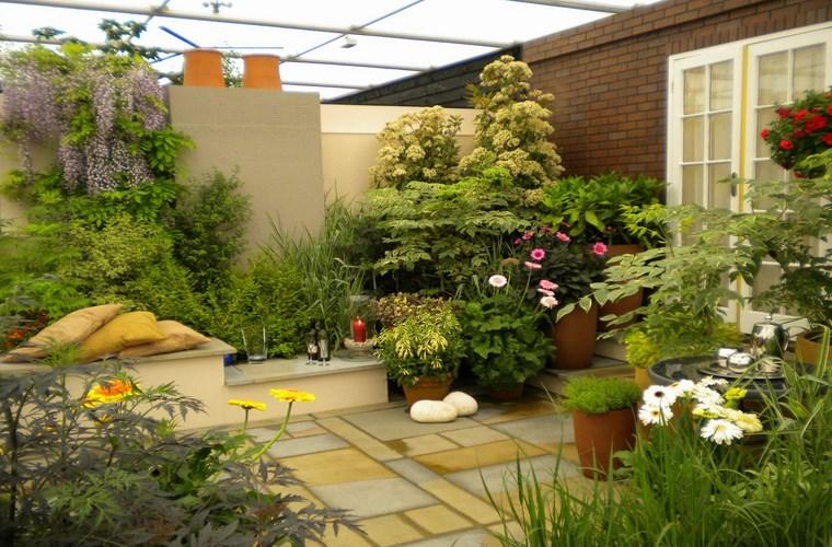 Trang trí sân vườn trên sân thượng