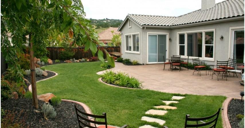 Thiết kế sân vườn phong cách đơn giản