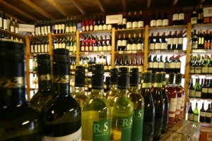 Những Chai Rượu Vang Ngon Giá Rẻ Không Nên Bỏ Lỡ